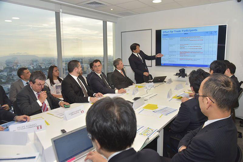 Perú inicia digitalización del comercio exterior
