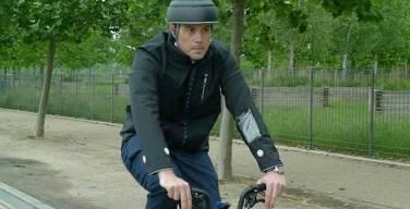 Ford-crea-casaca-inteligente-para-seguridad-de-los-ciclistas
