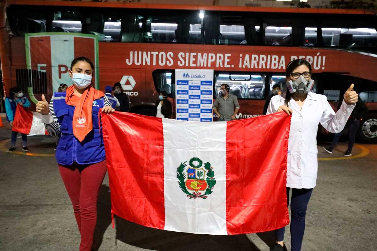 bus-de-la-seleccion-peruana-de-futbol-realizo-200-viajes-transportando-personal-de-essalud