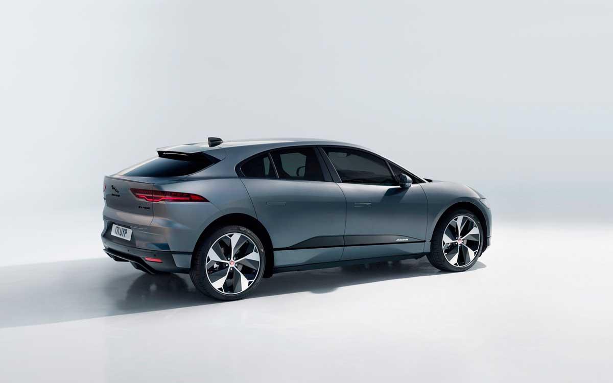 jaguar-i-pace-establece-nuevo-record-para-suv-electricos-en-con-neumaticos-goodyear