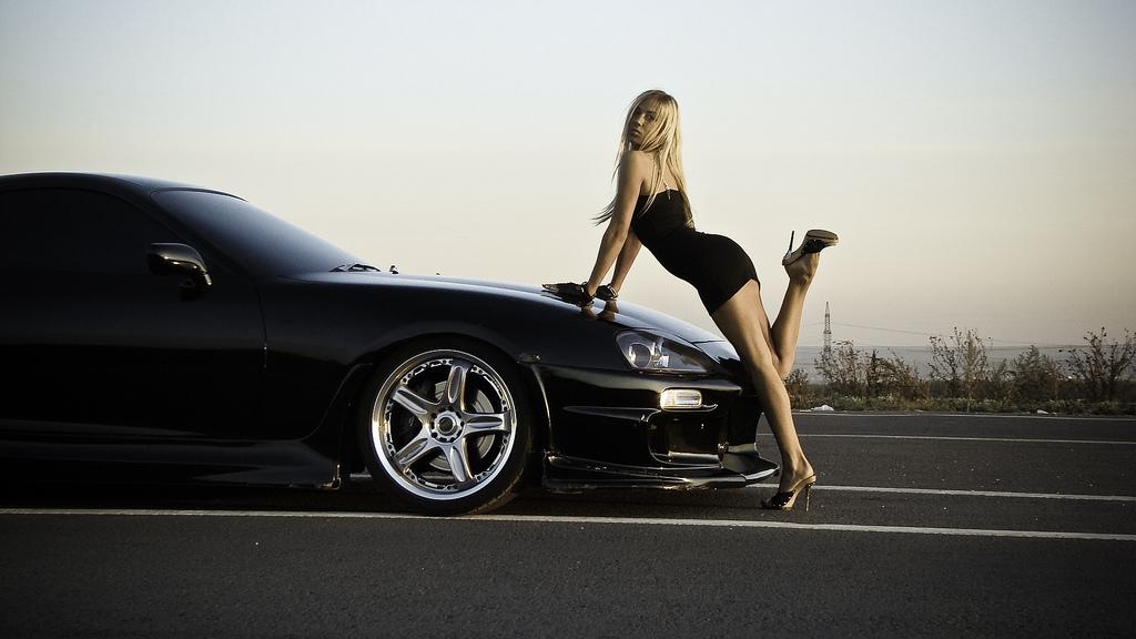 Black Supra Girl 2