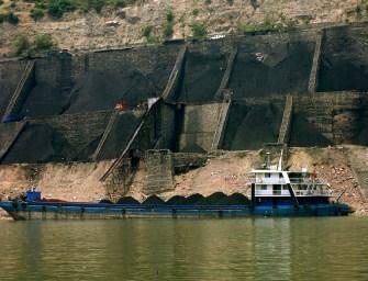 Čína: Pokles těžby uhlí po více než 10 letech