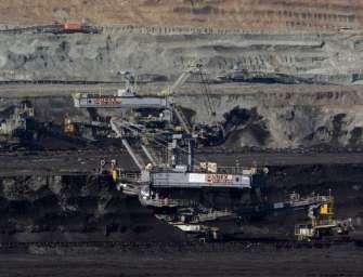 Sokolovská uhelná nabírá lidi