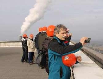 Uhelné elektrárny navštěvují tisíce lidí