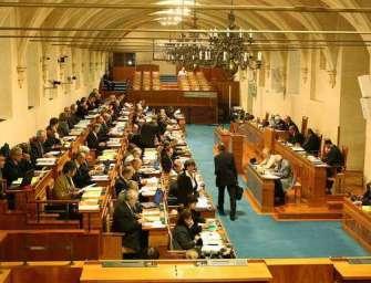 Ministerští hájili horní zákon v Senátu