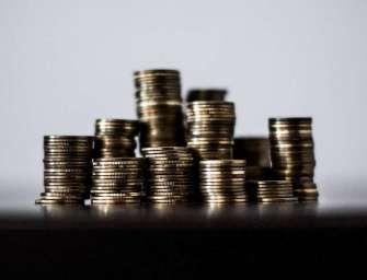 Šest týdnů dovolené a rekordní růst platů