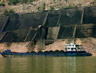 Čínští těžaři si lebedí