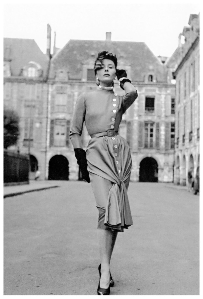 bettina-graziani-the-queen-of-paris-in-the-place-des-voges-wearing-faths-afternoon-dress-photo-by-willy-maywald-1950