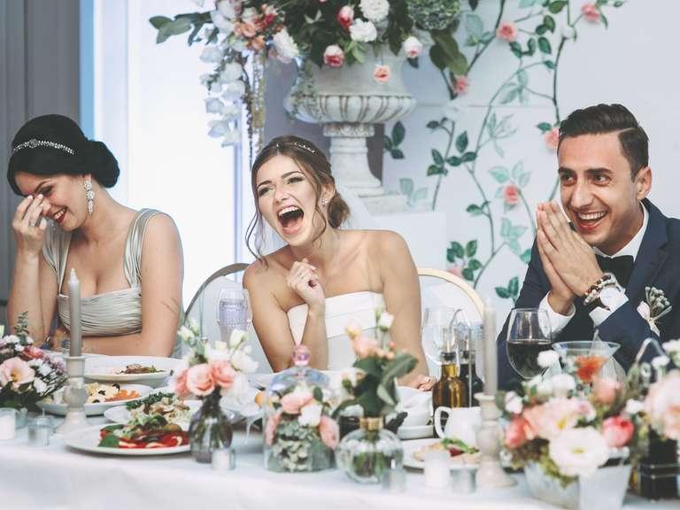 Dacă ești invitată la nuntă trebuie să fii atentă cu ce te îmbraci