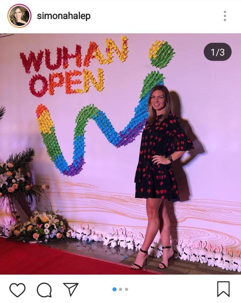 Simona Halep, în rochie la un eveniment