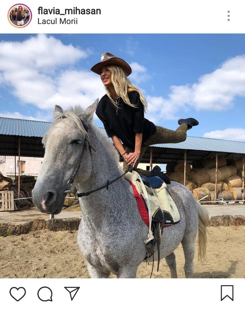 Flavia Mihășan, călare pe cal