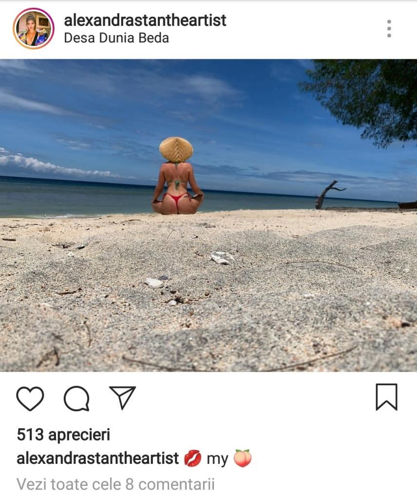 Alexandra Stan, în costum de baie pe plajă