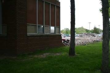 Greenlawn_demolition_roeder_02