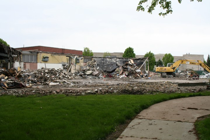 Greenlawn_demolition_roeder_09