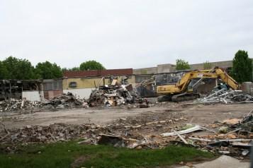 Greenlawn_demolition_roeder_14