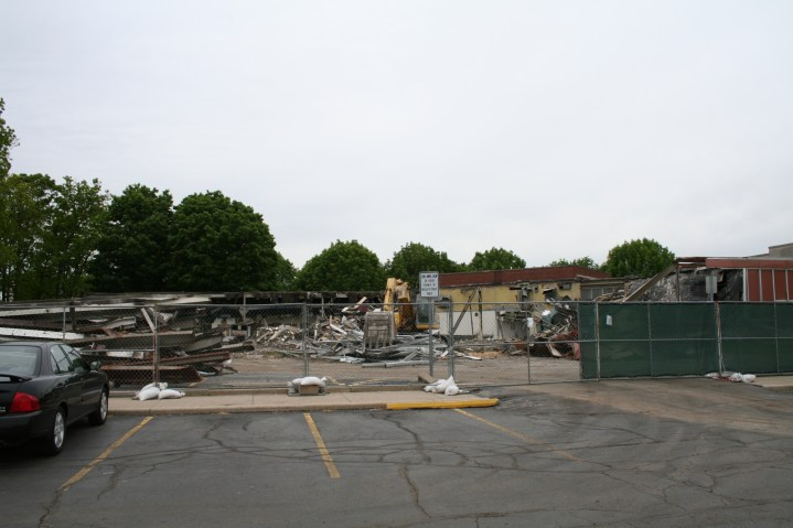 Greenlawn_demolition_roeder_23
