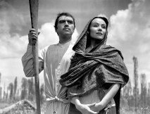 María Candelaria (Mexico, 1944) aka Portrait of Maria Directed by Emilio Fernández Shown: Pedro Armendarez (as Lorenzo), Dolores del Rio (as Maria Candelaria)