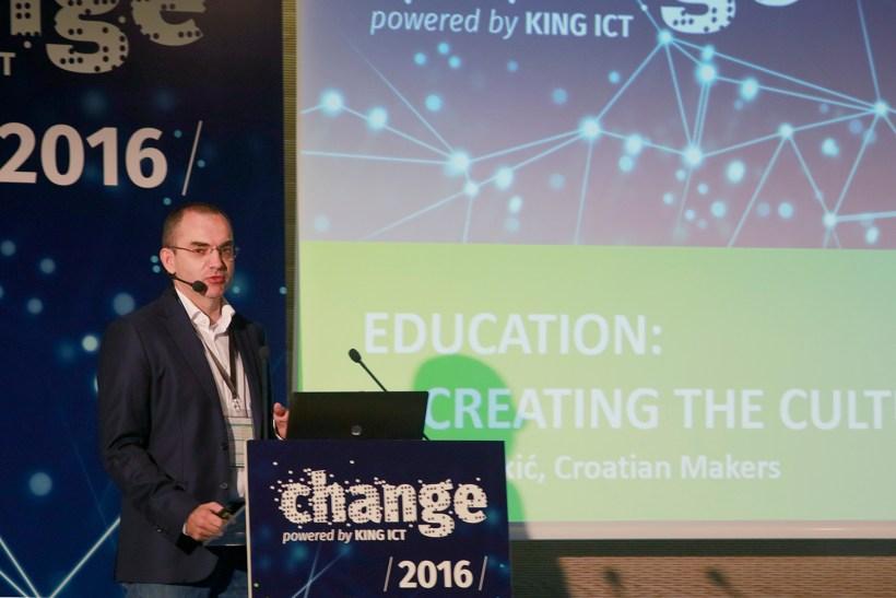 Nenad Bakić held the opening keynote.