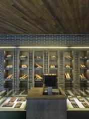 Detalle exposición y techos en diseño interior de Panadería Carnoedo