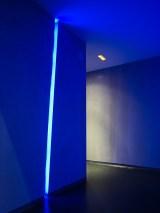 Detalles iluminación LED azul en La Fragua de Vulcano Lounge & Bar
