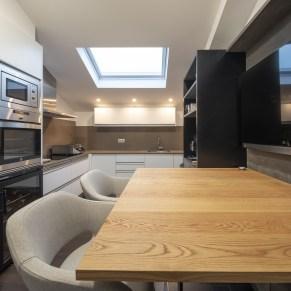 Cocina en diseño y equipamiento vivienda en la costa