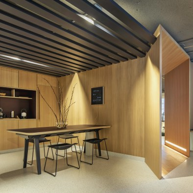 Una de las diferentes salas de reuniones en Diseño de oficinas Sutega LAB