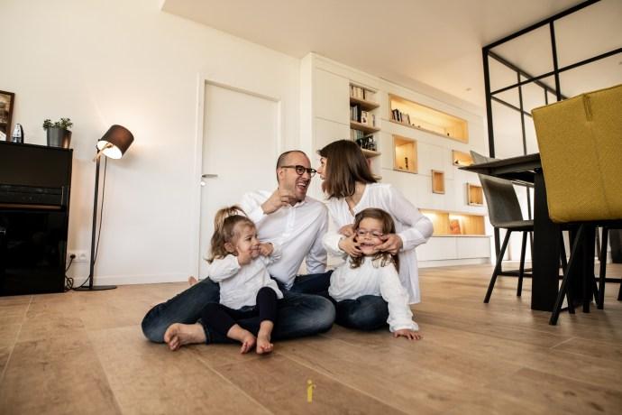 Chez vous pour des photos de famille rigolotes