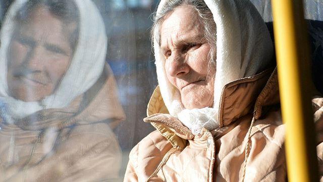 Пенсионеры Ленобласти получили льготы на проезд
