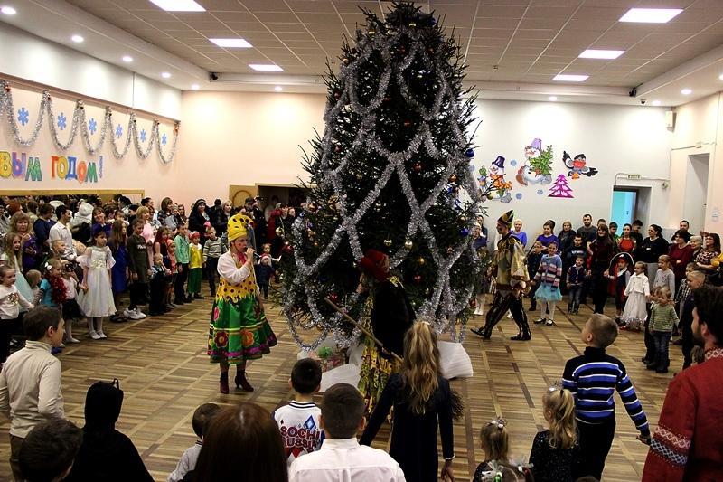 Чудеса на Рождество Христово подарили детям Ивангорода (фото)