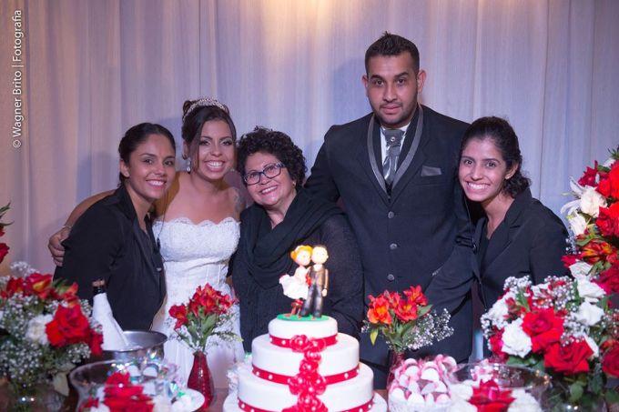 Cerimonialista Ivanilde Reis e equipe com os noivos Roziane e Carlos