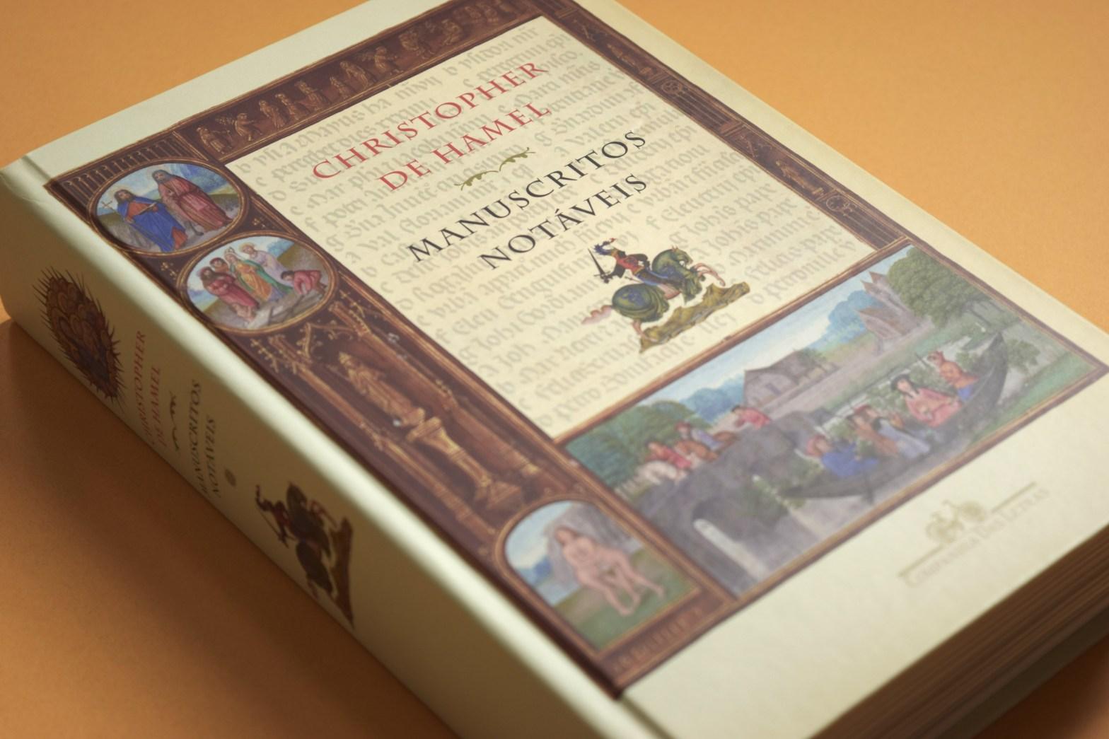 Livro Manuscritos Notáveis de Christopher de Hamel mostrando a capa e lombada