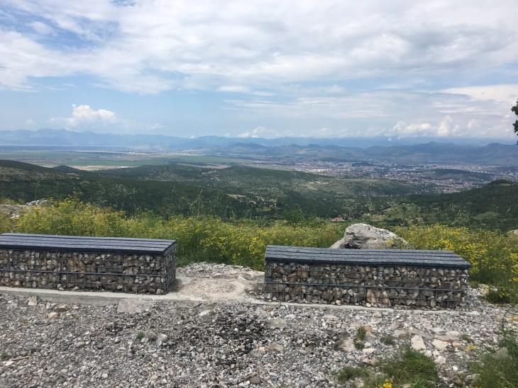 Pogled na Podgoricu i Skadarsko jezero