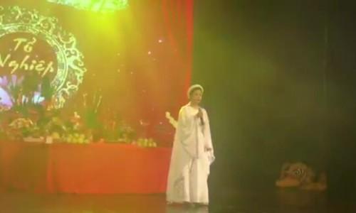 """Diễn viên Thanh Tú hát""""Dạ cổ hoài lang"""" (Cao Văn Lầu)"""