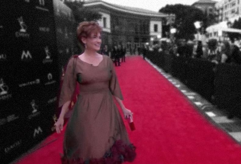 Carolyn Hennesy walks the red carpet Emmys 2018 on KNEKT TV in her Ivey Abitz couture gown.