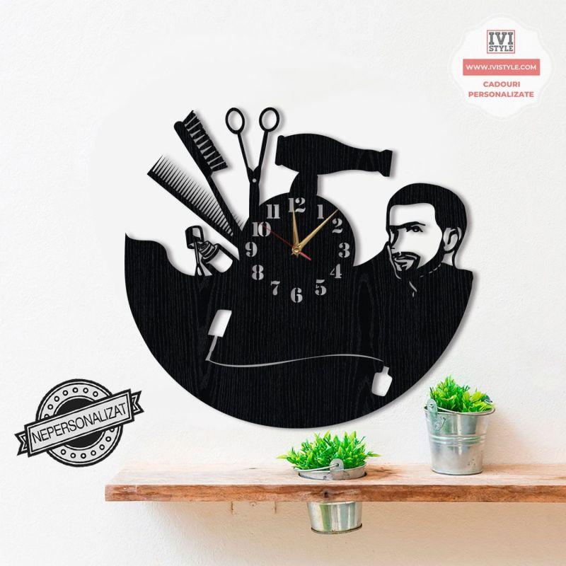 ceas-coafor-frizerie-si-manichiura-personalizat-lemn