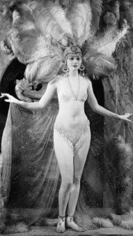 Scanned by John and generously donated to Historical Ziegfeld: http://ziegfeldgrrl.multiply.com/