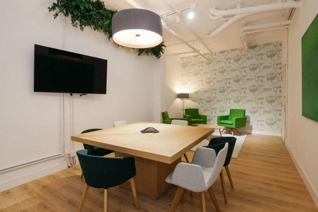 Diseño interiores - oficina Diego de León - Ivory