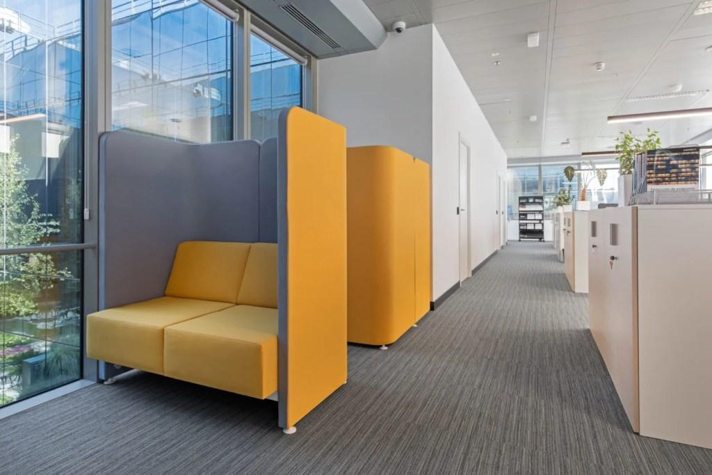 influencia del diseño de los espacios de trabajo en el rendimiento laboral