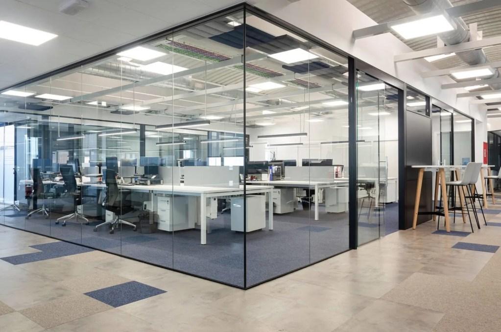 Diseño de Oficinas Actemium - Ivory