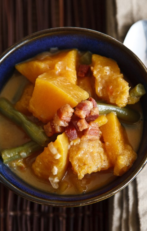 The Ivory Hut: Squash and Green Beans in Coconut Milk (Kalabasa at Sitaw sa Gata)