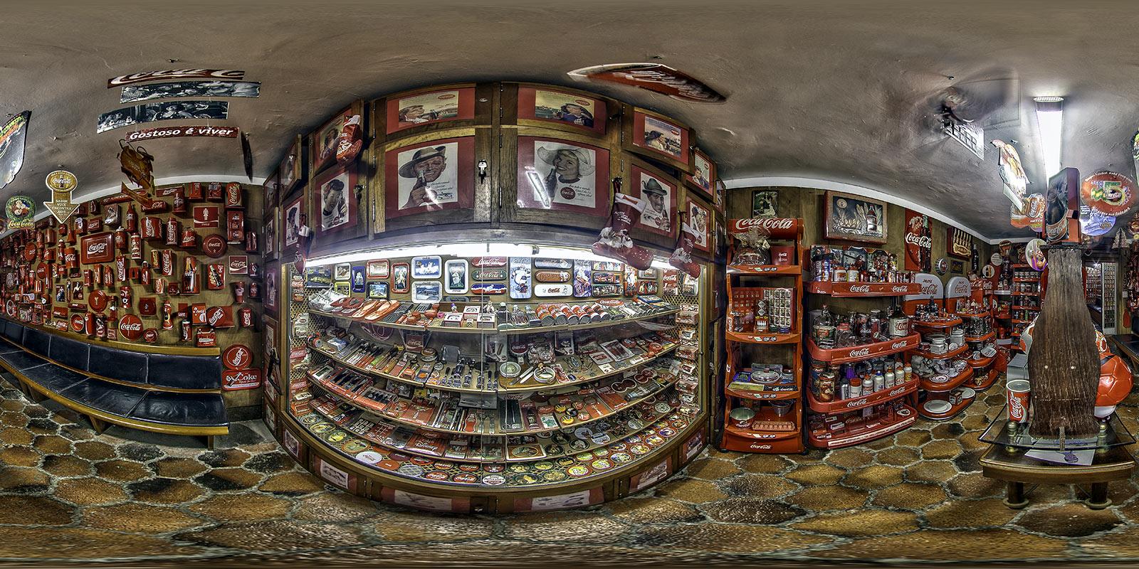 FREEPORT Restaurant :: Bigger Coke Collection in Brasil - Tour 360°