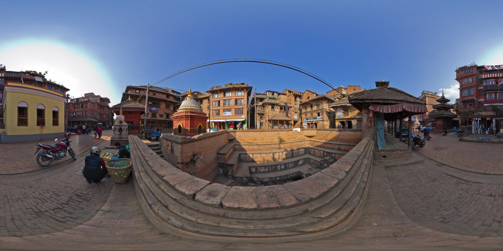 20121126 Baktapur-Main-Road