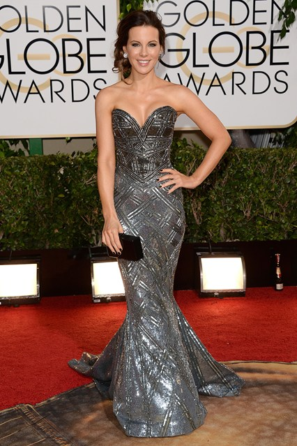 Kate-Beckinsale-_her Zuhair Murad Couture gown with an Edie Parker clutch and jewels by Lorraine Schwartz and Chopard.