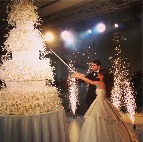 how much wedding cake for 200 guests 30 thoughts every arab has before getting married 15551