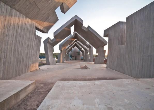 Mausoleum-of-the-Martyrdom-of-Polish-Villages-in-Michniow_Nizio-Design-International_dezeen_1568_8