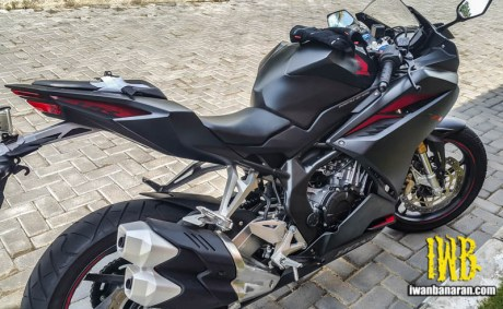 honda-all-new-cbr250rr-201c7-iwb1