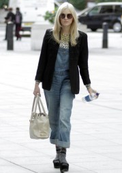 Fearne Cotton is seen arriving at the BBC Radio 1 studios in Central London. Featuring: Fearne Cotton Where: London, United Kingdom When: 10 Oct 2013 Credit: Duval/WENN.com