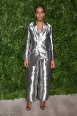 3a29b3b500000578-3915418-unique_look_solange_knowles_went_for_an_interesting_look_as_she_-m-65_1478576674043