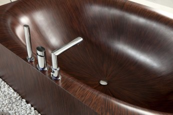 Elegant Bathtubs Made Entirely of Wood 06