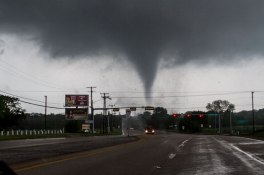 texas-tornado-april-2012-parrish-ruiz-de-velasco-5